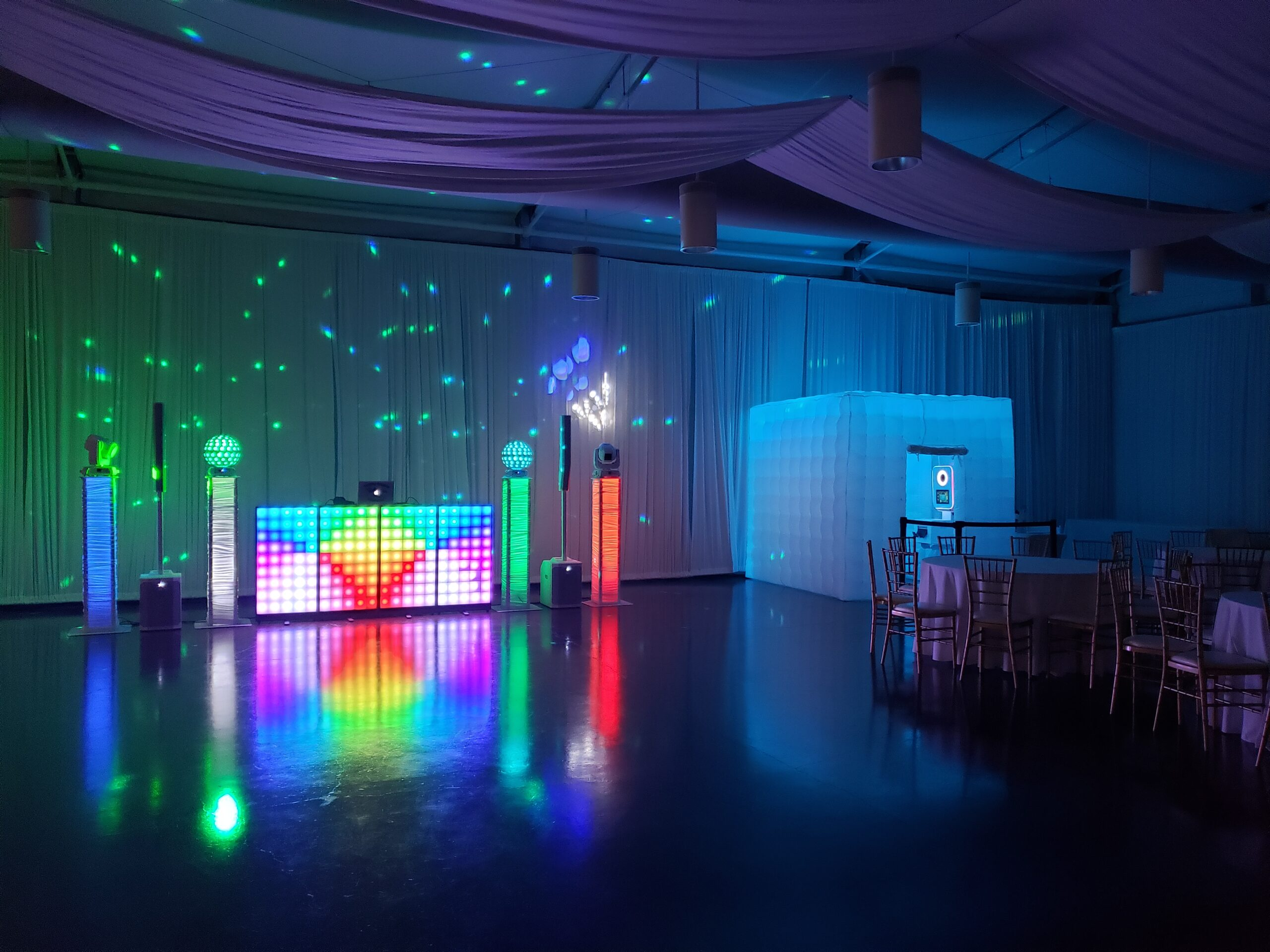 LED background and dancefloor